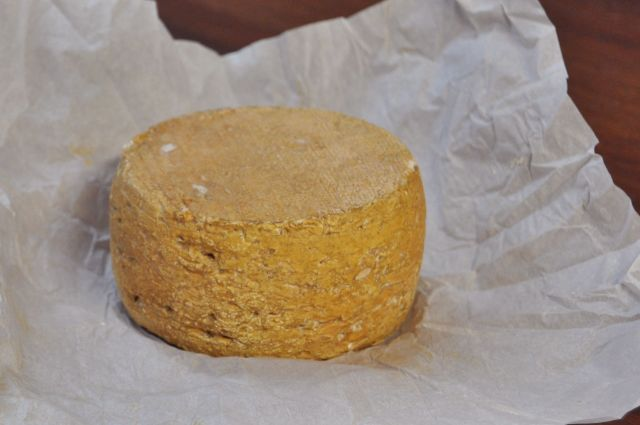 Nosey Goat Camelot Cheese Wheel