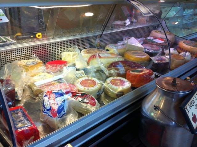Daniel's Cheese Case